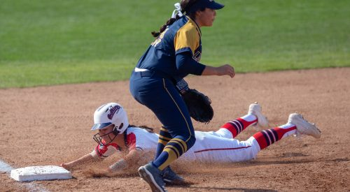 Fresno State softball go undefeated in Bulldog Classic article thumbnail mt-3