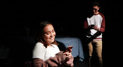 Student-run play highlights struggles of technology and love article thumbnail mt-3