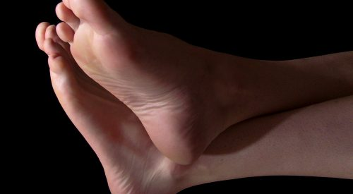 3 Signs It's Time to See a Podiatrist article thumbnail mt-3