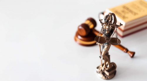 Career Advice: Is It Worth it to Become a Lawyer? article thumbnail mt-3