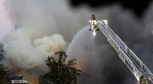 15 Fresno State students displaced by nearby apartment fire article thumbnail mt-3