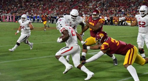Bulldogs lose opener against Trojans article thumbnail mt-3