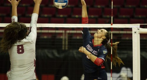 Bulldogs down Santa Clara in five sets article thumbnail mt-3