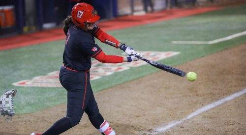 Softball powers through its opening doubleheader article thumbnail mt-3