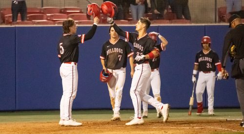 Diamond 'Dogs shut out Mustangs at home article thumbnail mt-3