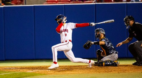 'Dogs win a close game on opening night article thumbnail mt-3