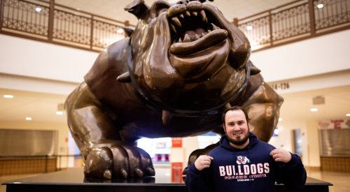 Bulldog superfan hopes to pack the stands article thumbnail mt-3