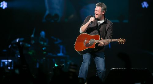 Blake Shelton makes his return to Fresno with special guests article thumbnail mt-3