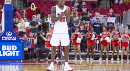 Breaking: Former Fresno State star basketball player arrested Monday article thumbnail mt-3