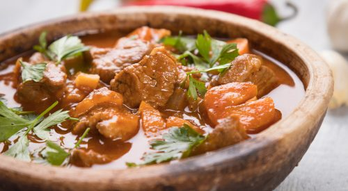 What exactly is Goulash? article thumbnail mt-3