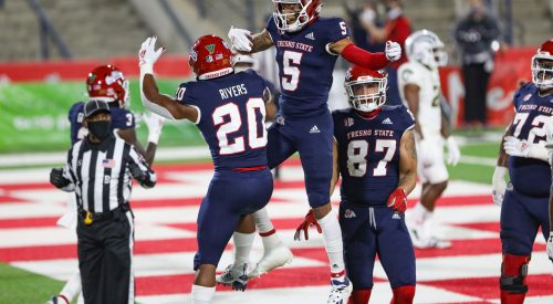 Ronnie Rivers scores a trio of touchdowns in Bulldogs victory article thumbnail mt-3