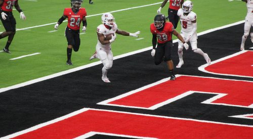 Bulldogs ride Rivers over Rebels for 40-27 win in Vegas article thumbnail mt-3