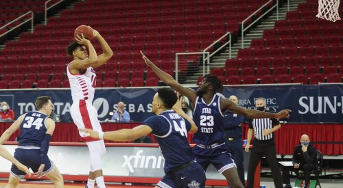 Utah State rallies behind big second half in victory over Fresno State article thumbnail mt-2