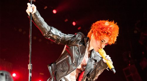 Paramore sings for Fresno [gallery] article thumbnail mt-3